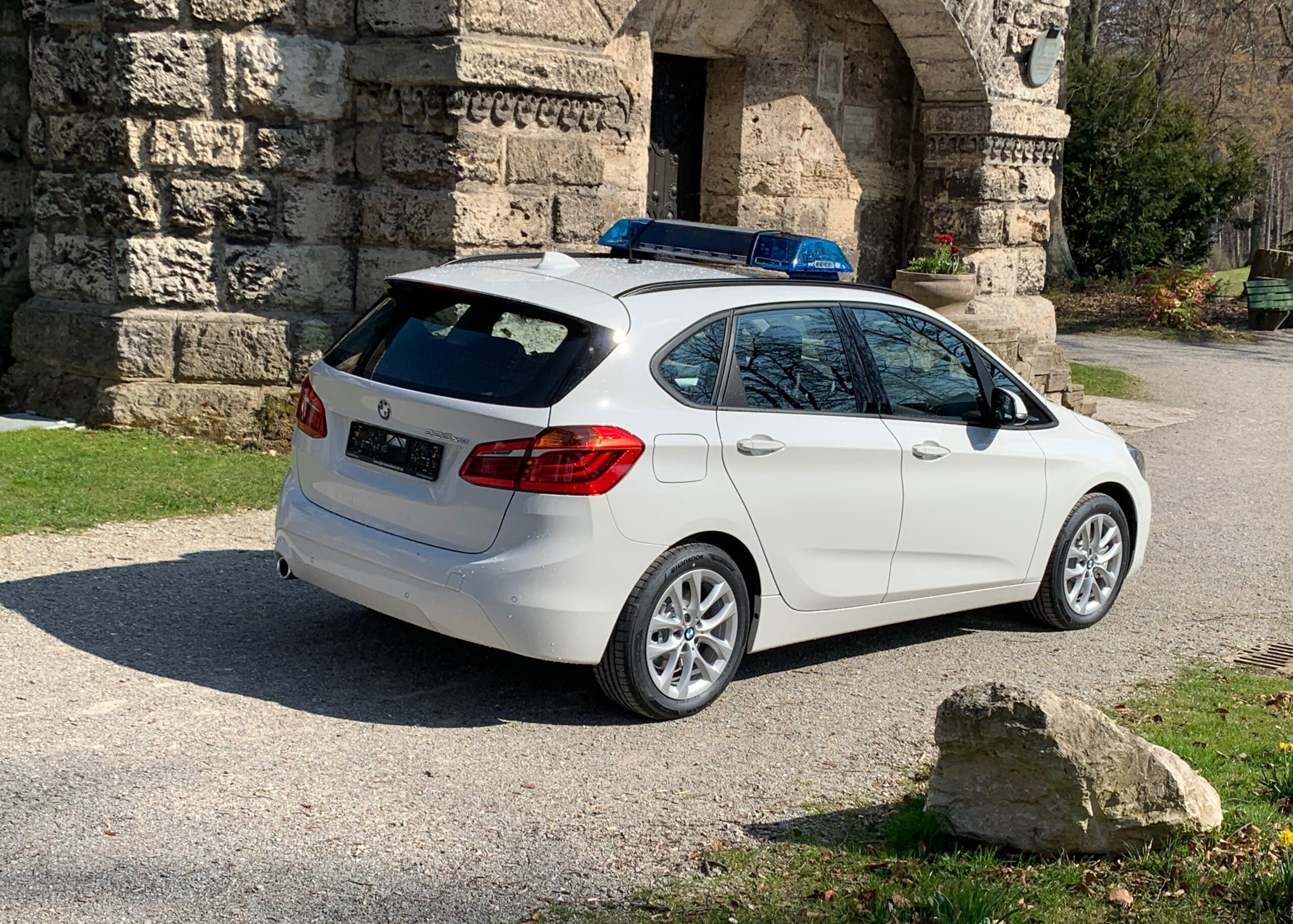 BMW 2er Hybrid mit Hella RTK7 LED