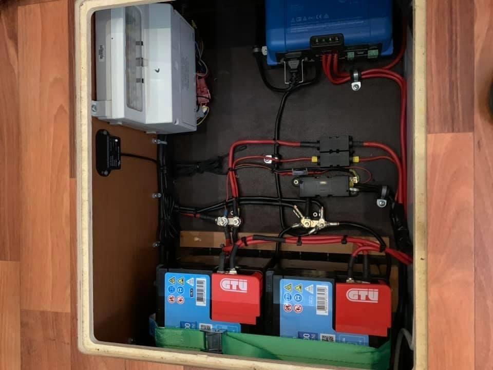 Batterie-Management im Wohnmobil unter Boden